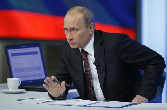 Vladimiras Putinas atsakinėja į žiūrovų klausimus gruodžio 3 dieną.