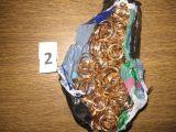 VSAT nuotr./Pas tris lietuvius, įtariamus juvelyrinės parduotuvės apiplėšimu Suomijoje, rastas grobis.