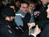 AFP/Scanpix nuotr./Massimo Tartaglia buvo sulaikytas nusikaltimo vietoje.