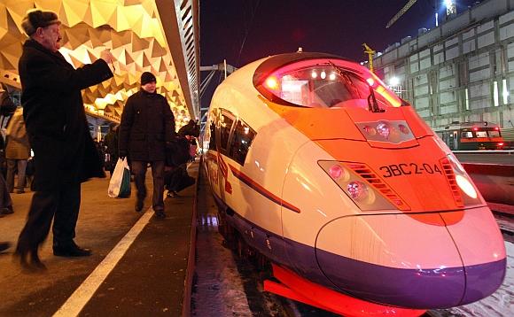 """Pirmasis greitasis Rusijos traukinys """"Sapsan"""""""