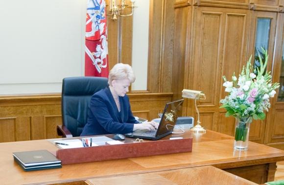 D.Grybauskaitė kompiuterį dažniausiai naudoja darbo reikalais.