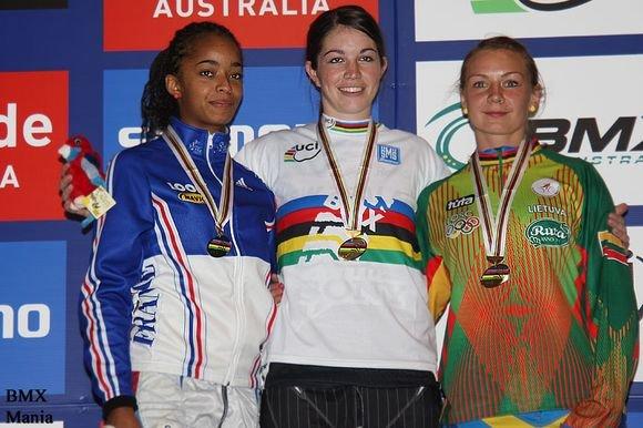 BMXMania.com nuotr./Vilma Rimaaitė (deainėje) pasaulio čempionate iakovojo bronzos medalį