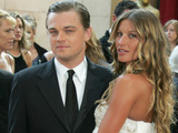 Gisele Bundchen su Leonardo DiCaprio AOP nuotr.