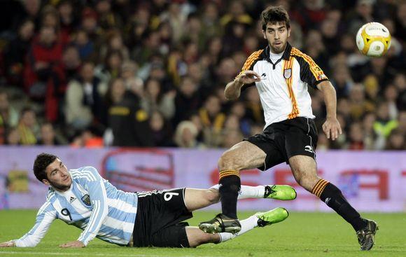 Katalonai namie įveikė Argentinos klubų rinktinę