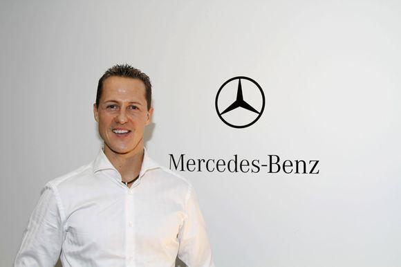"""M.Schumacheris pasirašė metų sutartį su """"Mercedes"""""""