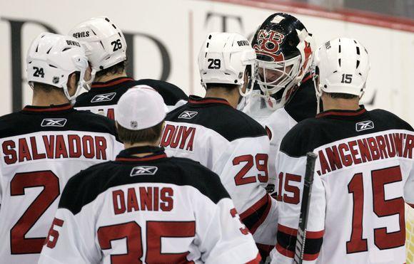 """""""Devils"""" prarado absoliutaus pirmenybių lyderio poziciją"""