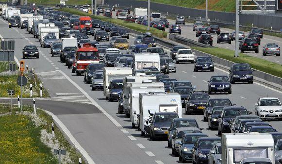 Vokiečiai pagrįstai didžiuojasi savo nuostabiais keliais, kuriuos vadina autobanais.