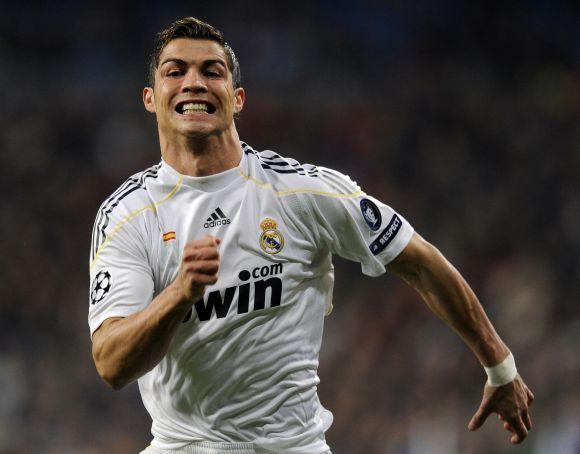 """2010 metais C.Ronaldo su """"Real"""" klubu planuoja laimėti viską"""