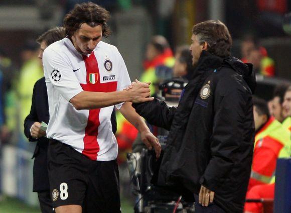 """Z.Ibrahimovičius (kairėje) ir R.Mancini kartu dirbo """"Inter"""" klube"""