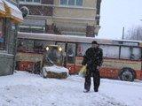 J.Andriejauskaitės nuotr./Klaipėdoje antrą dieną nepaliaujamai sninga.