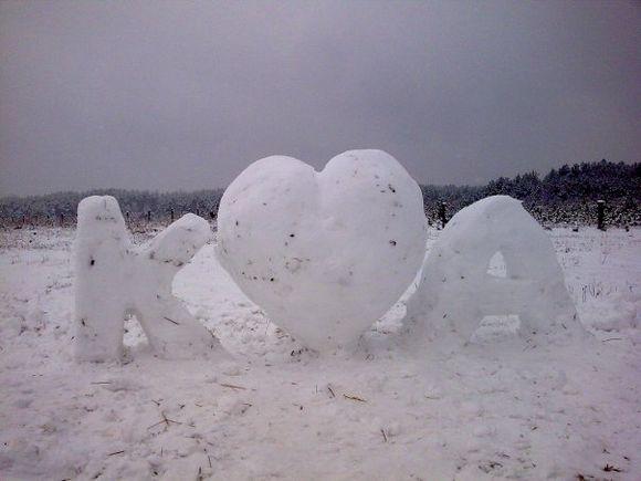 Iš sniego galima pagaminti ne tik besmegenius.
