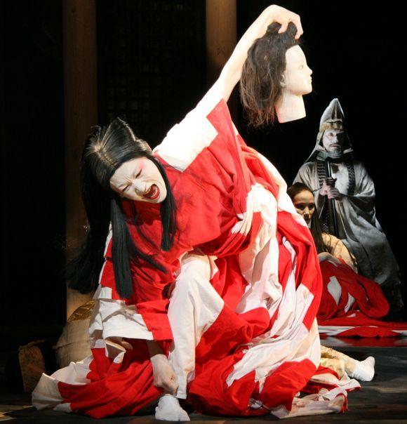 """Japonų režisieriaus Tadashi Suzuki spektaklis """"Dionisas"""""""