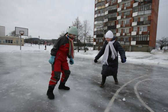Dauguma čiuožyklų įrengtos prie mokyklų ar daugiabučių kiemuose esančiose sporto aikštelių.