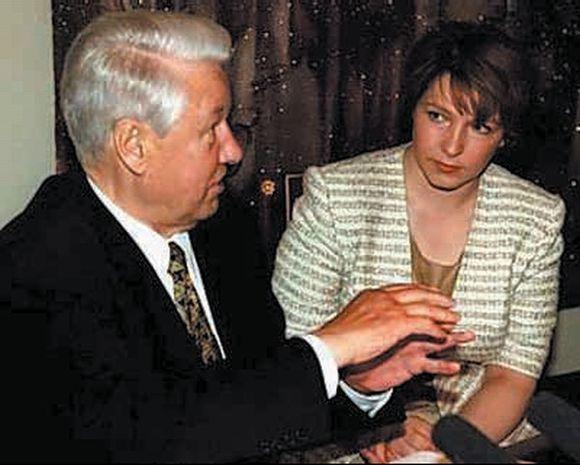 Tėvo valdymo metais T.Jumaševa buvo artima jo pagalbininkė.