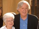 Scanpix nuotr./Jameso Camerono mama visuomet palaikė sūnų ir stengėsi jam įskiepyti meilę menui.