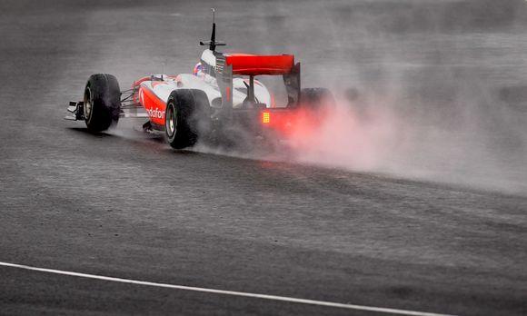 """Lietus jaukė """"Formulės-1"""" komandų treniruočių planus"""