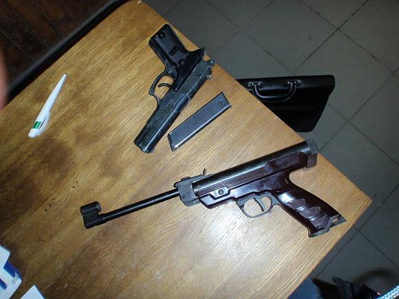 Kalvarijų turgavietėje rasti ginklai