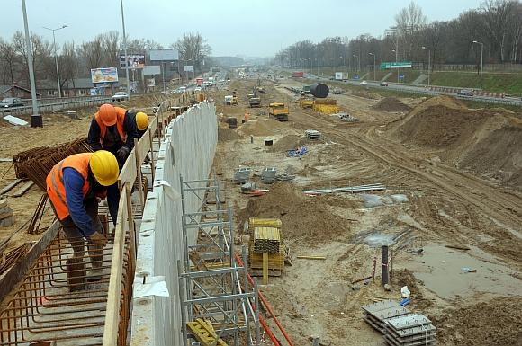 Kinijos kelininkai rekonstruoja autostradą tarp Varšuvos ir Berlyno.