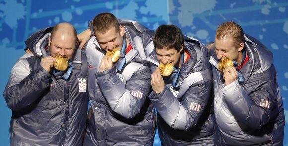 Amerikiečiai patikrino savo olimpinių apdovanojimų taurumą