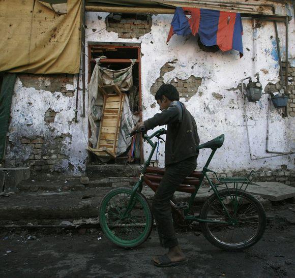 Berniukas sprogdinimo vietoje Pakistane
