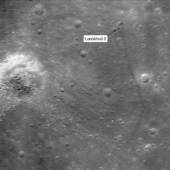 """Mėnulio paviržiuje aptiktas prieš 37 metus nustojęs veikti """"Lunochod-2""""."""