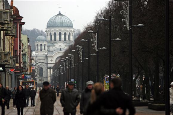 Vienas iš akcijos dalyvių ironiškai pastebėjo, jog vienas iš lietuviškiausiu šalies miestu tituluojamo Kauno simbolių – rusiškas soboras.