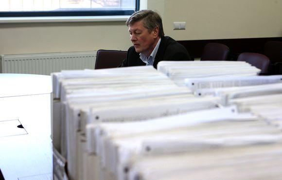 Į VRK grįžo apie 6,7 tūkstančio ia 10 tūkstančių paraaų rinkimo lapų.