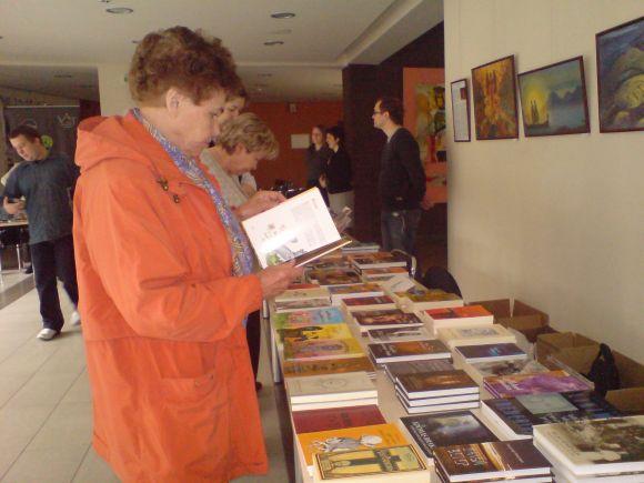 I.Simonaitytės bibliotekoje antradienį veikia knygų mugė.