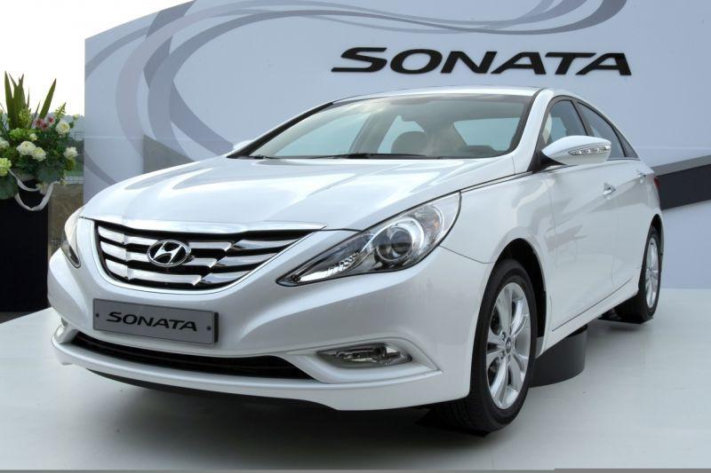 """""""Hyundai Sonata"""" naujoji karta sulaukė premjeros"""