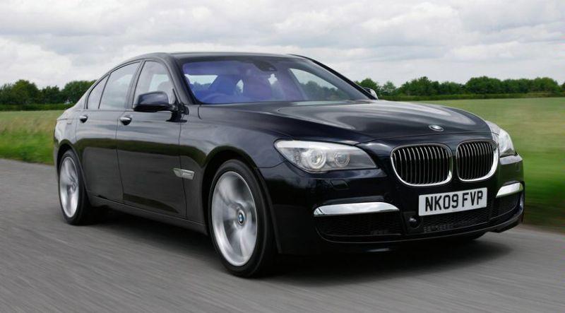 BMW M7 dienos šviesos neišvys