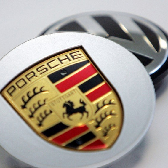 """VW ir """"Porsche"""" pratęs derybas"""