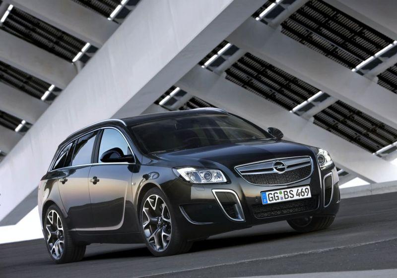 """Opel Insignia OPC Sports Tourer"" – žvėris universalo kailyje"