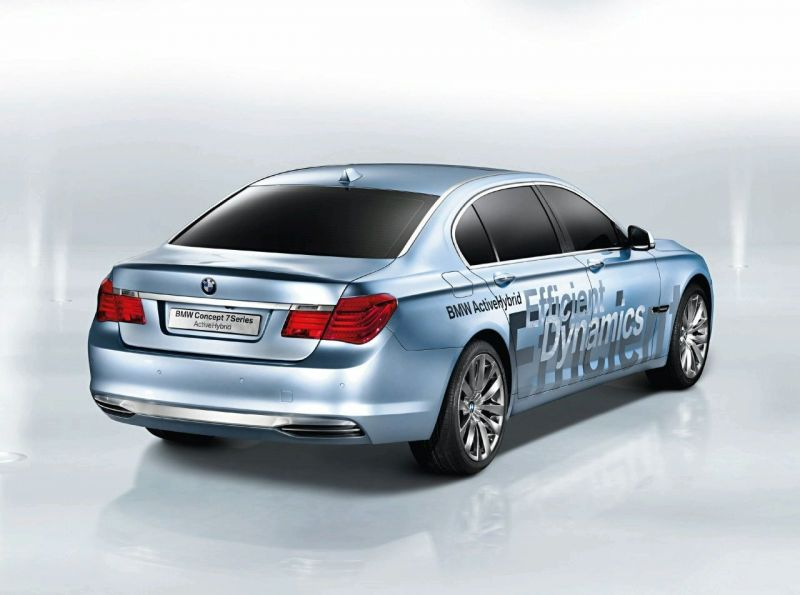 BMW gamins 7 ir X6 serijos hibridus