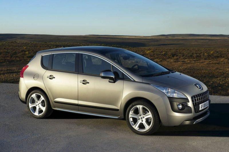 """Naujasis """"Peugeot 3008"""" pasiruošęs kelionėms"""