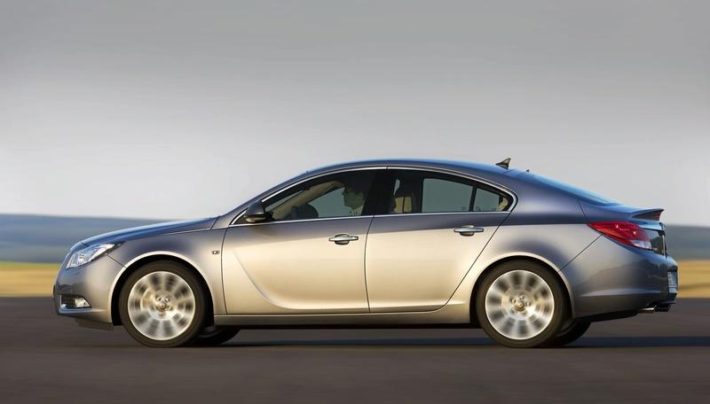 """Maskuoto """"Opel Insignia"""" nuotraukos"""
