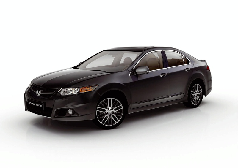 """Naujasis """"Honda Accord"""" – daugiau smulkmenų"""