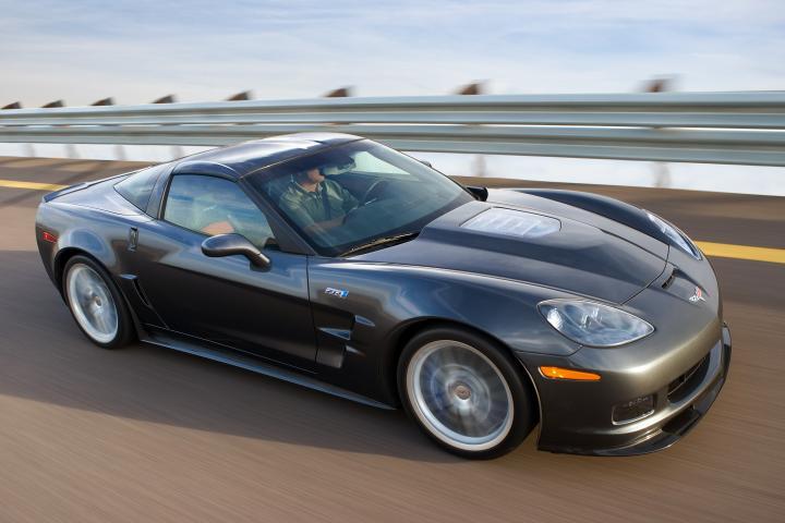 """Ženeva 2008: """"Chevrolet Corvette ZR1"""" atvyko į Europą"""