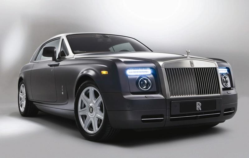 """Atskleista """"Rolls-Royce Phantom Coupe"""" išvaizda"""