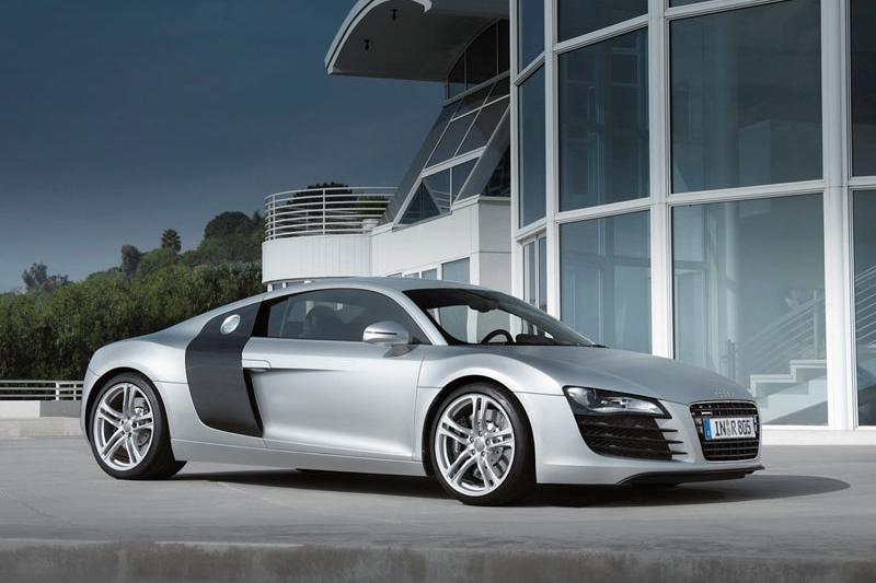"""""""Audi"""" pristatė dyzelinį """"R8 V12 TDi"""" modelį"""