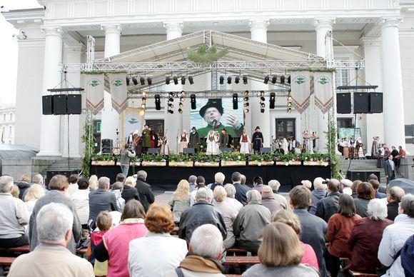 `arūno Mažeikos/BFL nuotr./Ketvirtadienį Vilniuje prasidėjo 38-asis tarptautinis fokloro festivalis Skamba skamba kankliai.