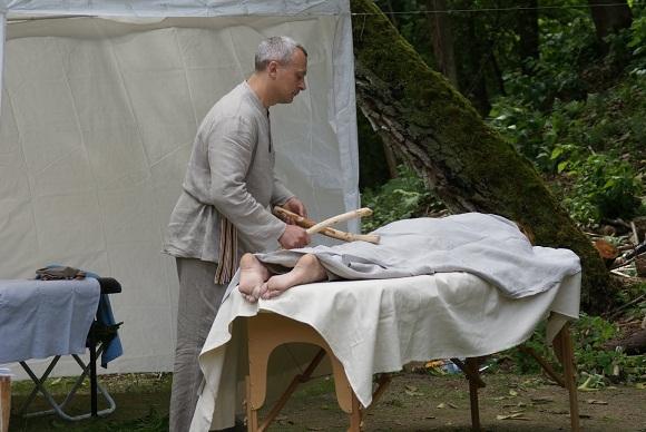 """""""Pirties dienos"""" metu buvo daromas ir masažas"""