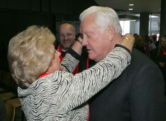 Scanpix nuotr./Algirdas Brazauskas su antrąja žmona Kristina
