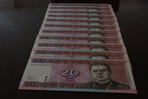 Litai, pinigai