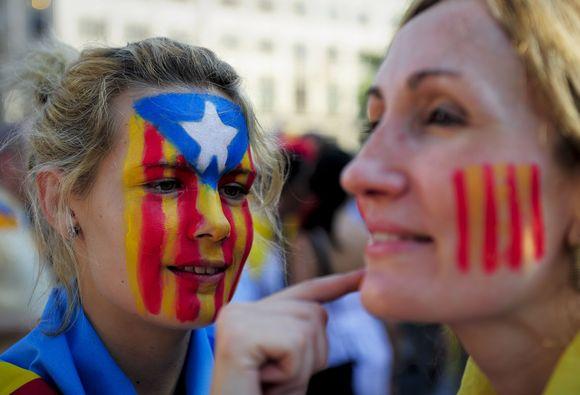 Ispanijoje šimtai tūkstančių demonstrantų reikalavo Katalonijos autonomijos.