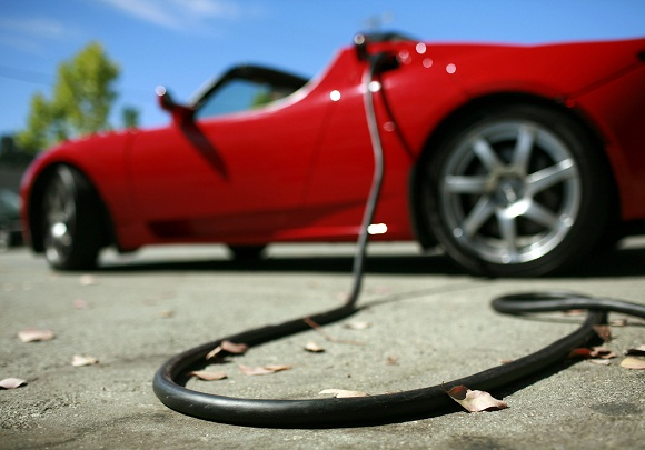 "Elektromobilis ""Tesla Roadster"