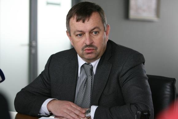 Nepaisant to, kad nepaisė partijos prezidiumo nutarimo, V.Navickas nuobaudos išvengė.