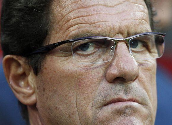 Anglijos futbolo rinktinės trenerį F.Capello užplūdo kritikos lavina