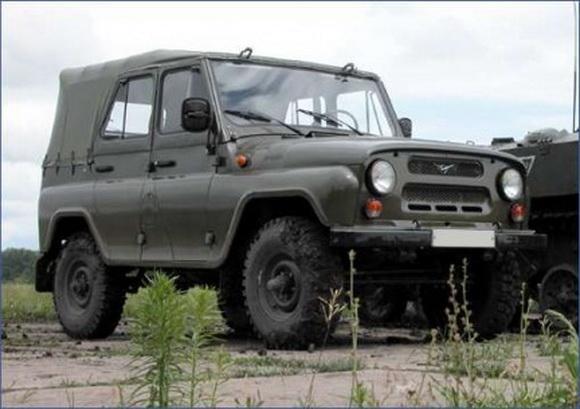 UAZ 469 visureigis
