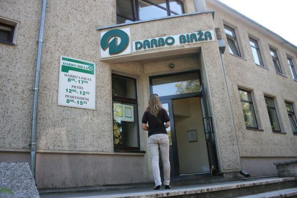 Jaunimas vasarą uždarbiavo užsienyje. Klaipėdoje  jaunimui vasarą buvo laisvos tik 7 darbo vietos.