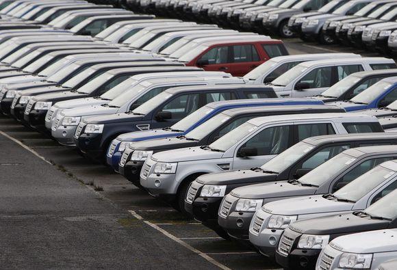 Automobilių pardavimo rinka Indijoje auga